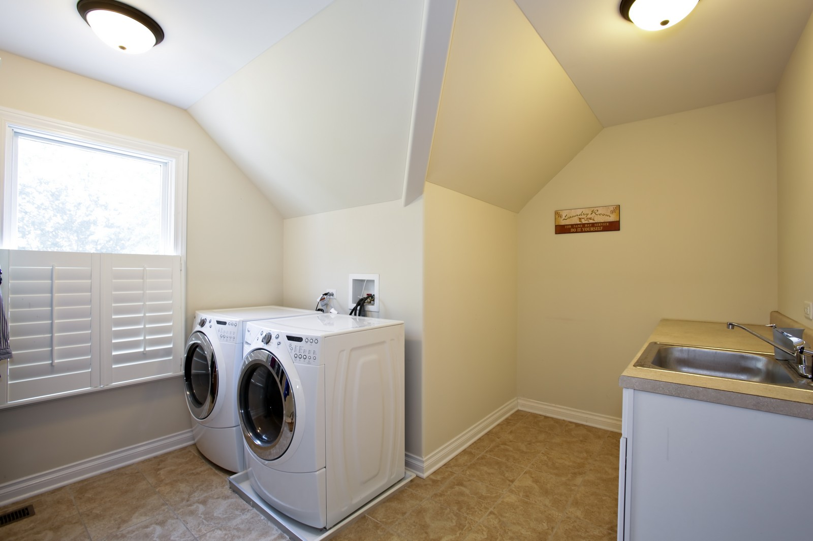 Real Estate Photography - 4740 Saratoga, Downers Grove, IL, 60515 - Laundry Room