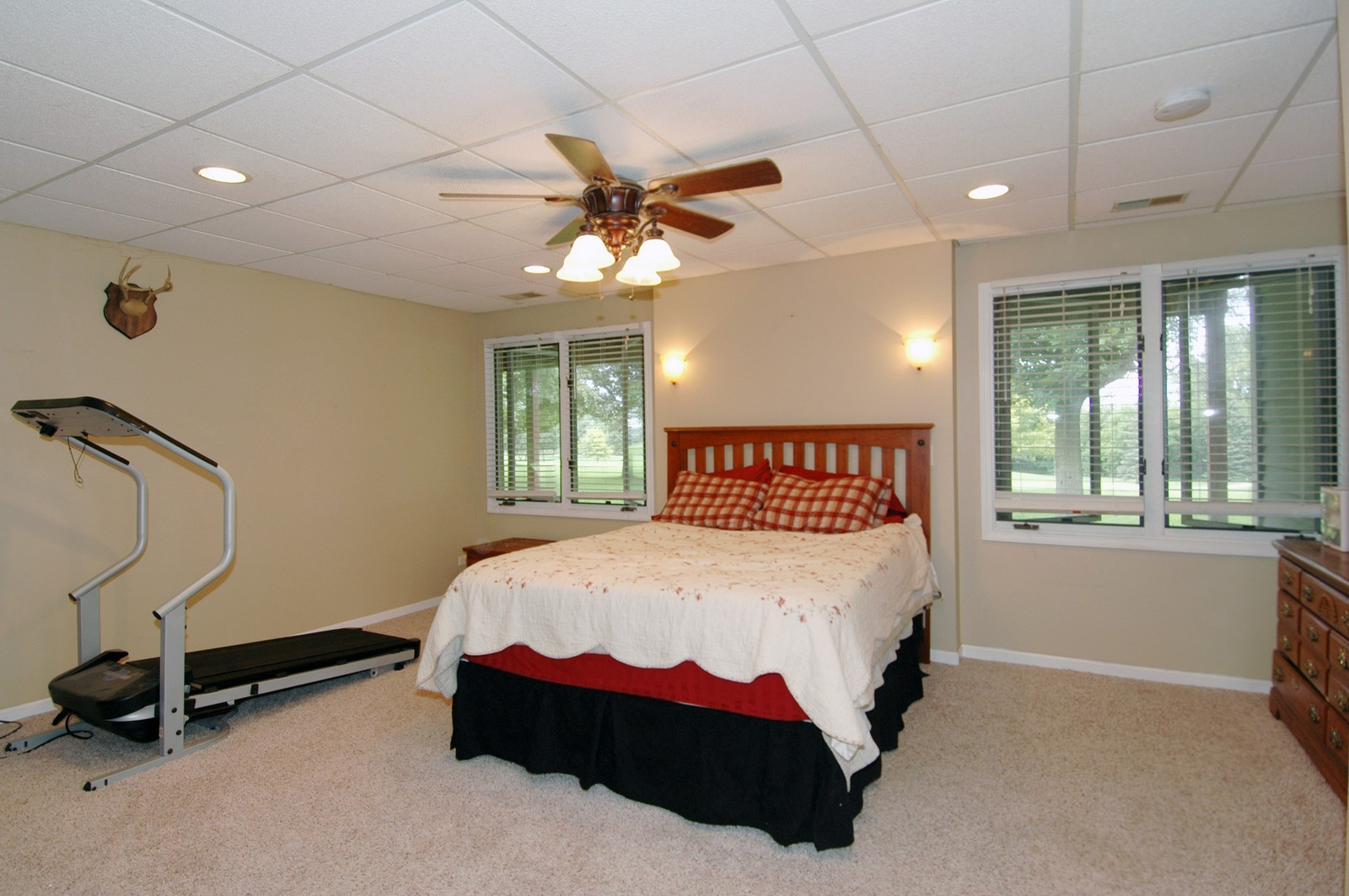 Real Estate Photography - 210 Course Dr, Lake in the Hills, IL, 60156 - 2nd Bedroom