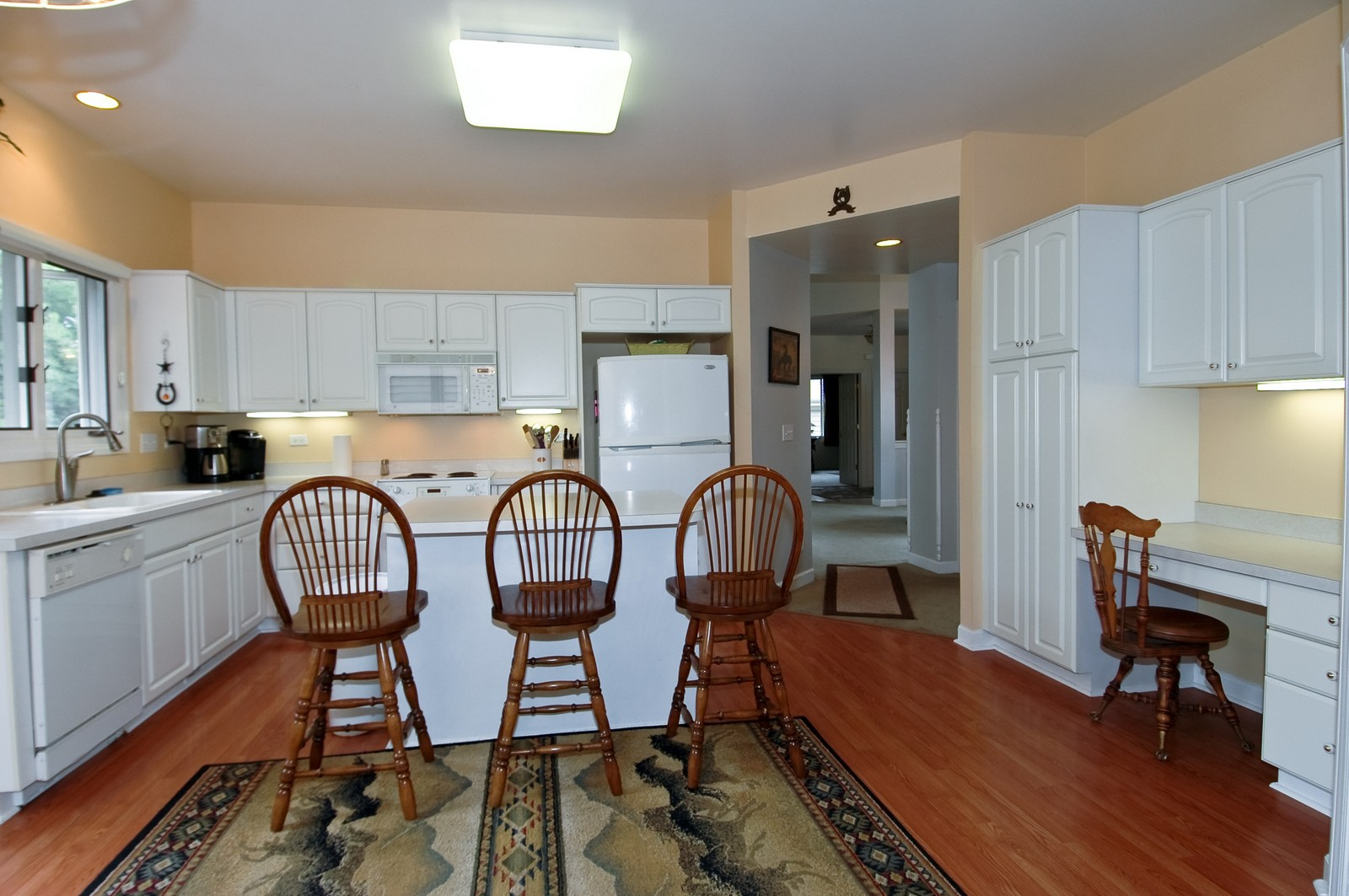 Real Estate Photography - 210 Course Dr, Lake in the Hills, IL, 60156 - Kitchen