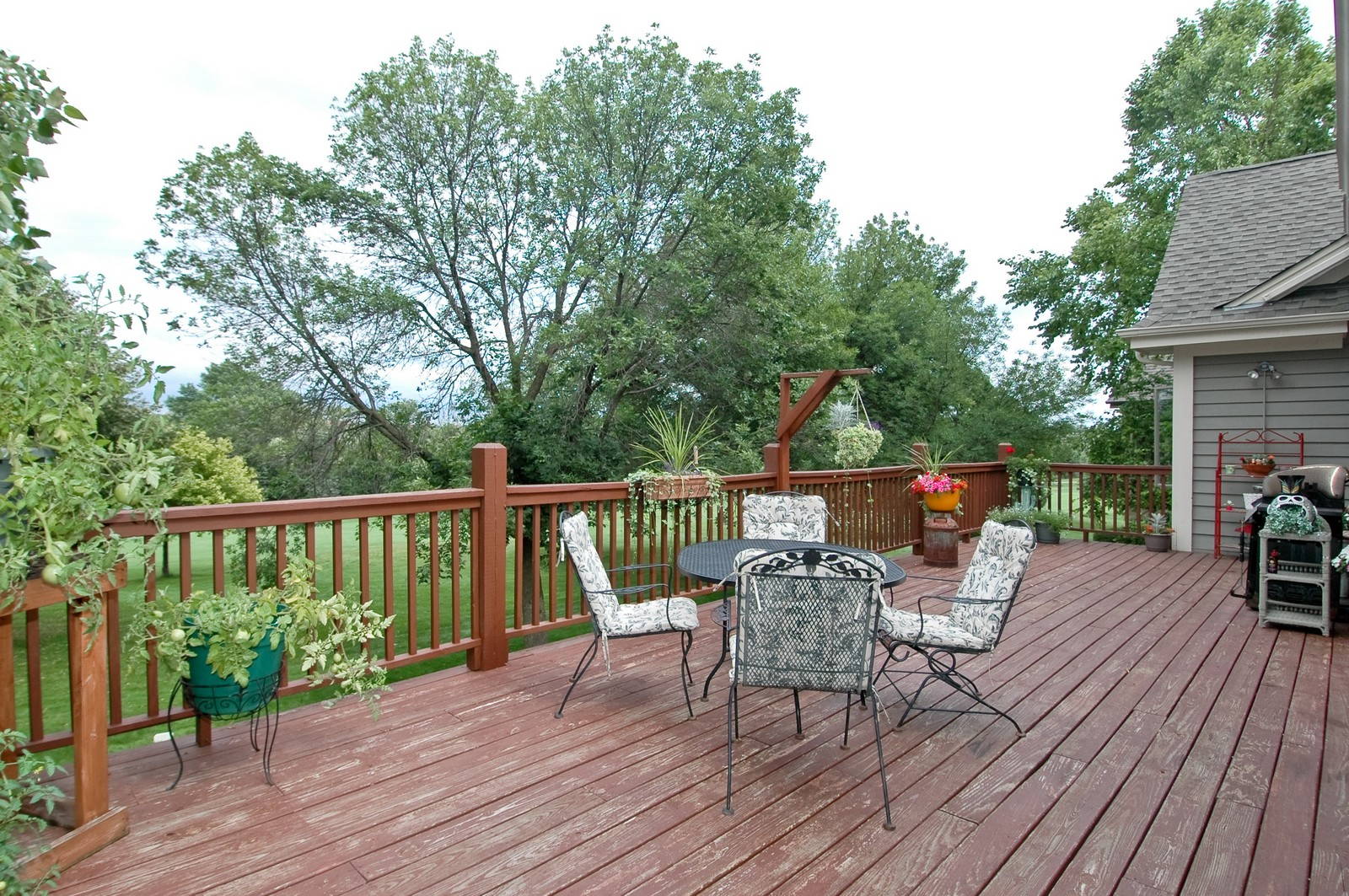 Real Estate Photography - 210 Course Dr, Lake in the Hills, IL, 60156 - Deck