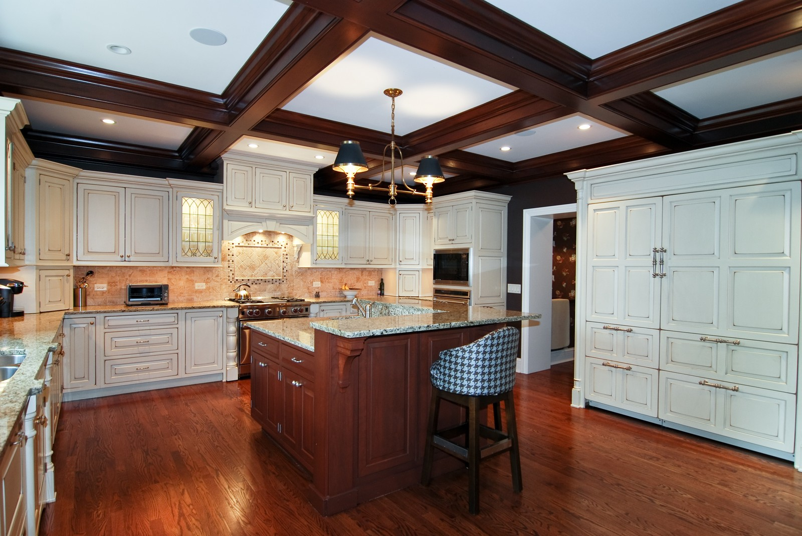 Real Estate Photography - 1105 Park Ave, River Forest, IL, 60305 - Kitchen / Breakfast Room