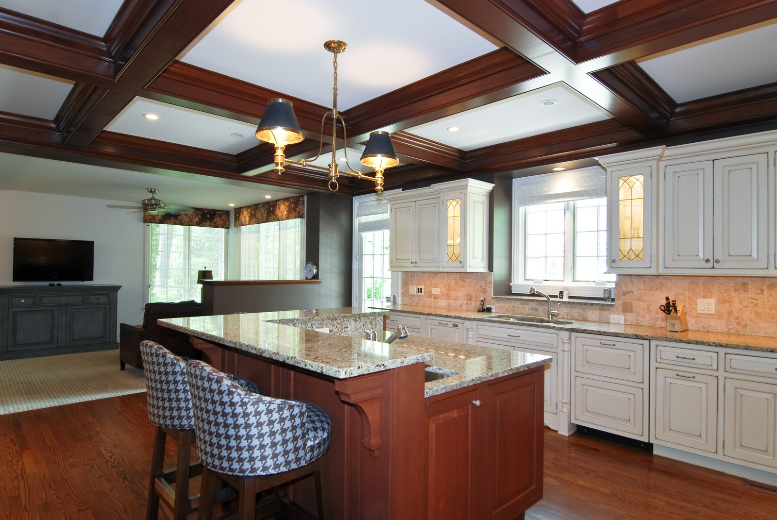 Real Estate Photography - 1105 Park Ave, River Forest, IL, 60305 - Family Room / Kitchen
