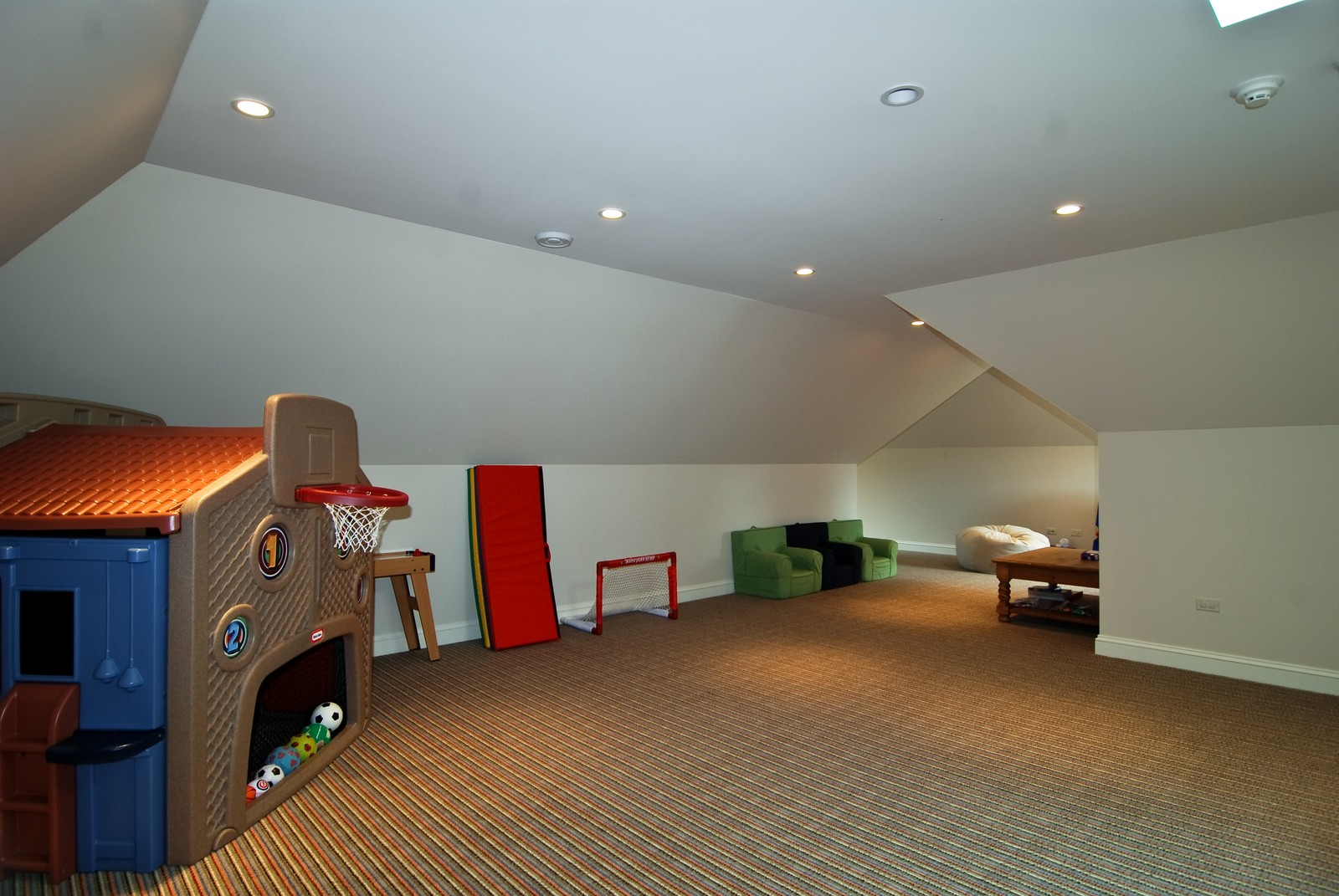 Real Estate Photography - 1105 Park Ave, River Forest, IL, 60305 - Play / Recreational Room