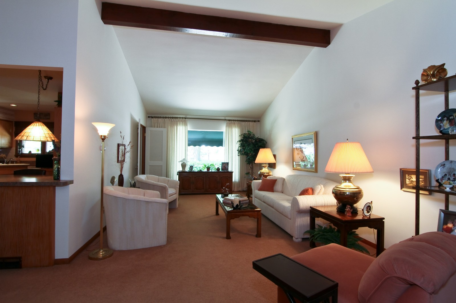 Real Estate Photography - 6801 Leonard Dr, Darien, IL, 60561 - Living Room