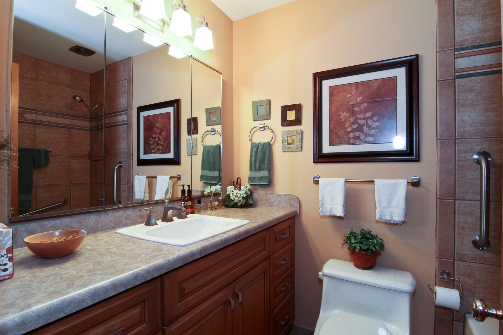 Real Estate Photography - 6801 Leonard Dr, Darien, IL, 60561 - Master Bathroom