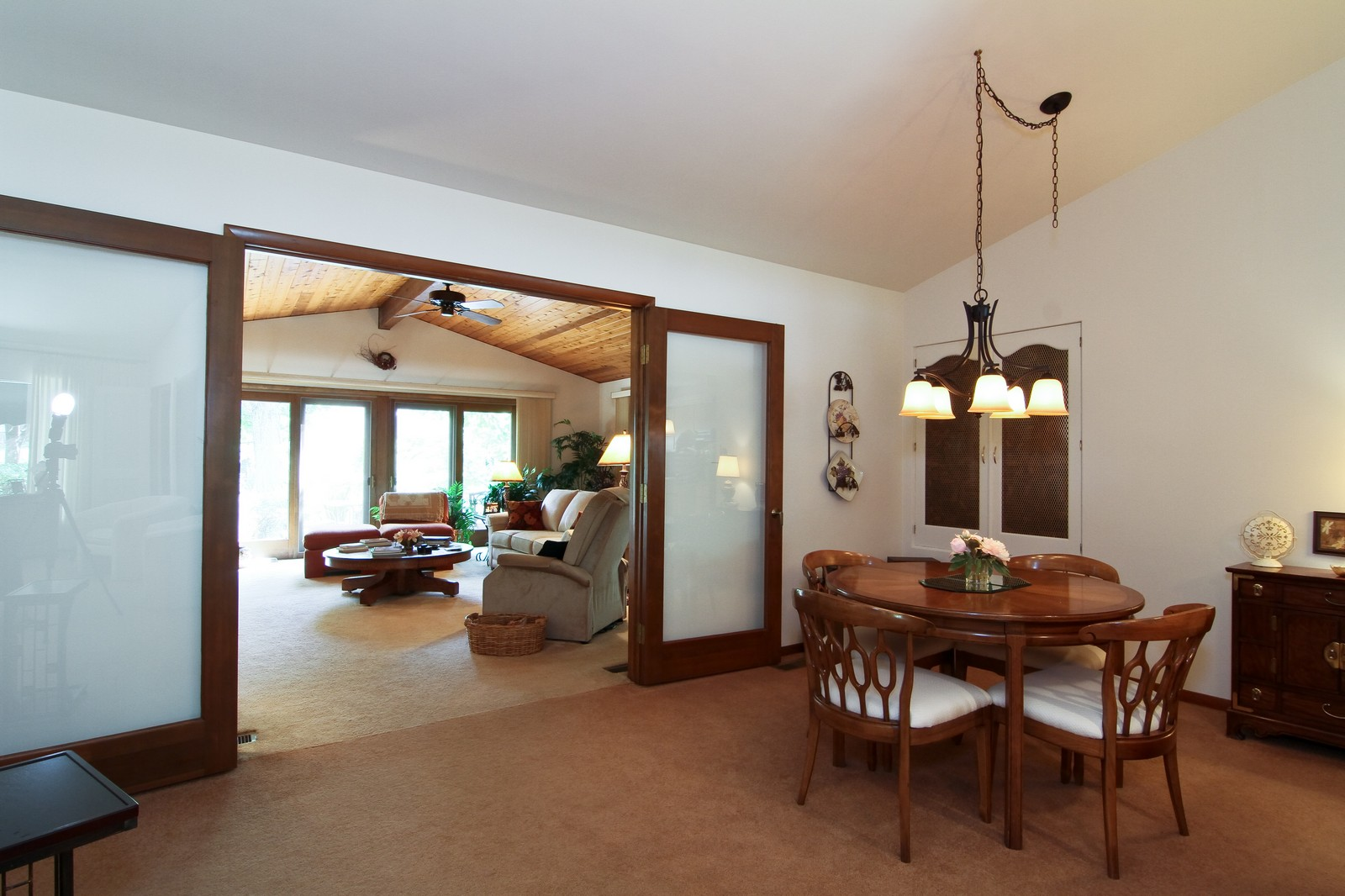 Real Estate Photography - 6801 Leonard Dr, Darien, IL, 60561 - Dining Room