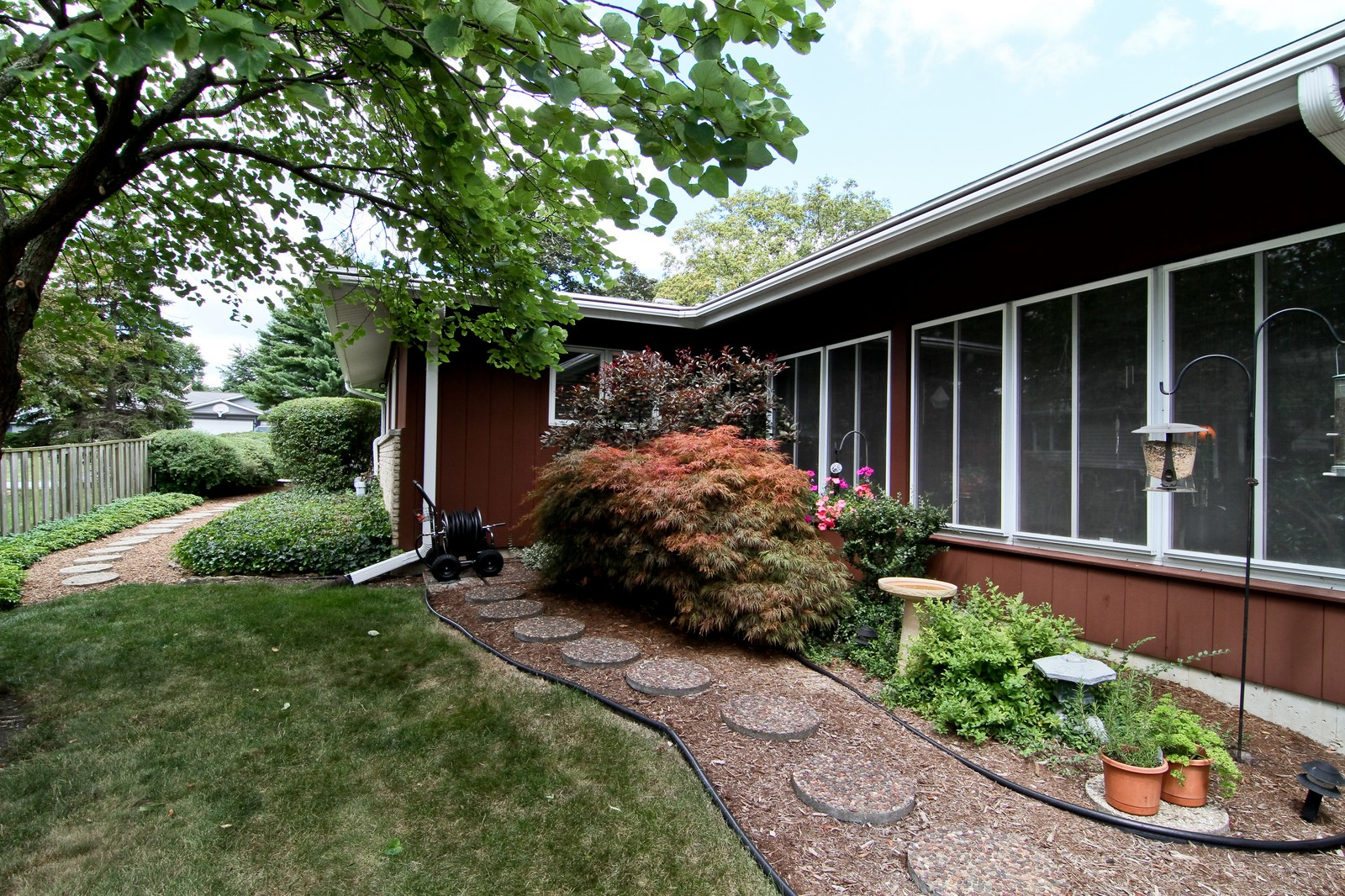 Real Estate Photography - 6801 Leonard Dr, Darien, IL, 60561 - Side View