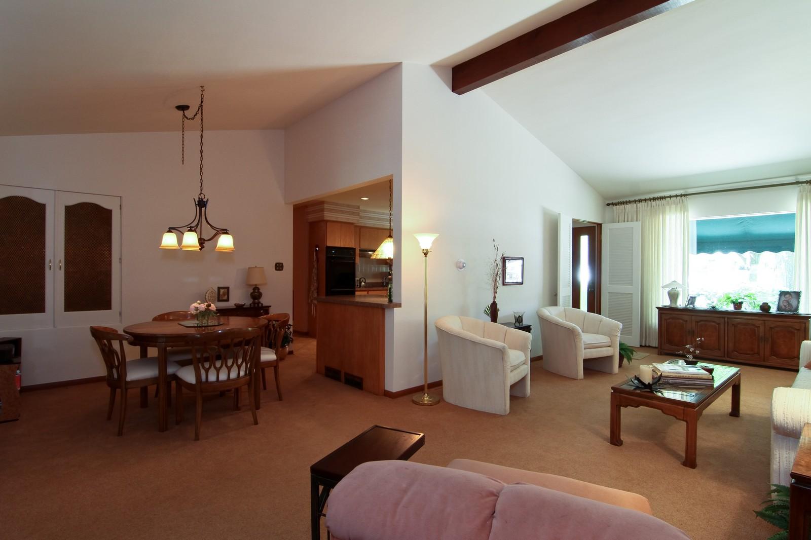 Real Estate Photography - 6801 Leonard Dr, Darien, IL, 60561 - Living Room / Dining Room