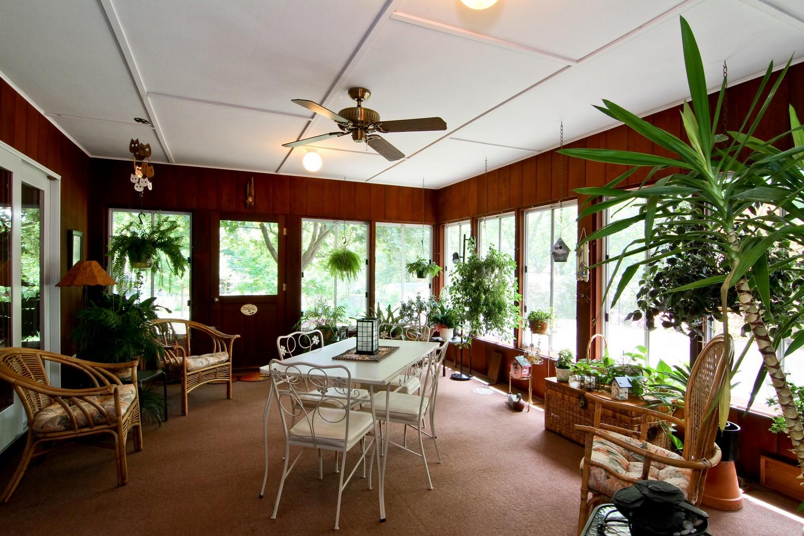 Real Estate Photography - 6801 Leonard Dr, Darien, IL, 60561 - Sun Room