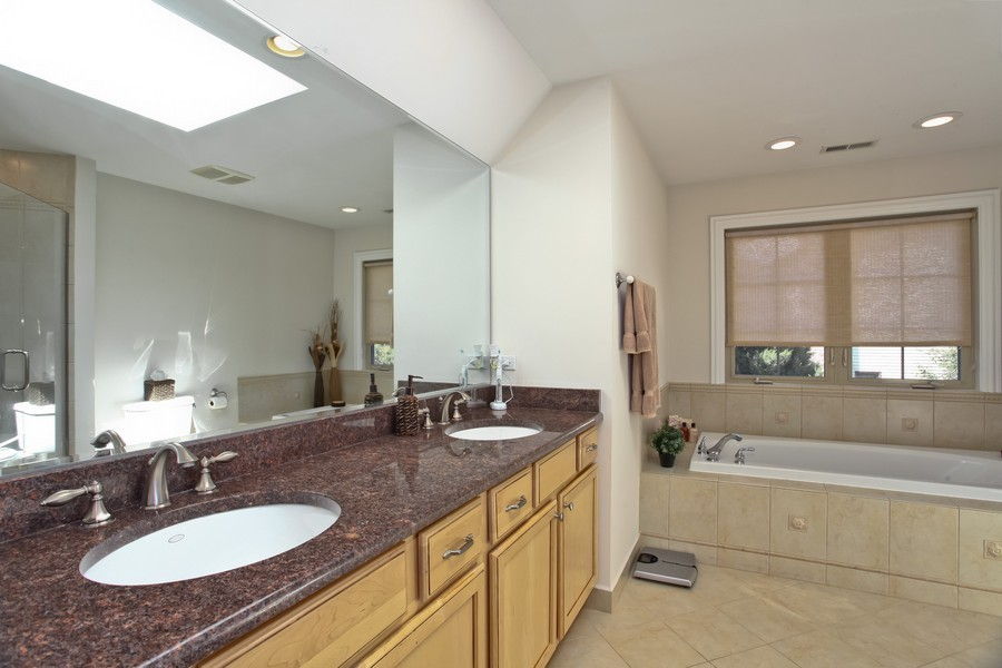 Real Estate Photography - 2529 W Kelly Dr, Woodridge, IL, 60517 - Master Bathroom