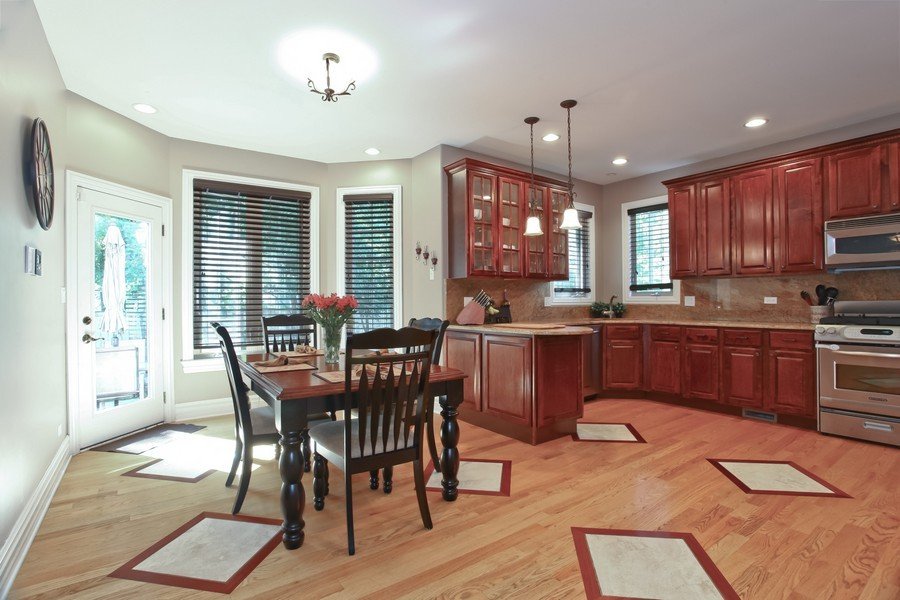 Real Estate Photography - 2529 W Kelly Dr, Woodridge, IL, 60517 - Kitchen / Breakfast Room