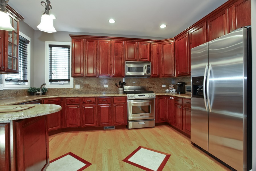 Real Estate Photography - 2529 W Kelly Dr, Woodridge, IL, 60517 - Kitchen
