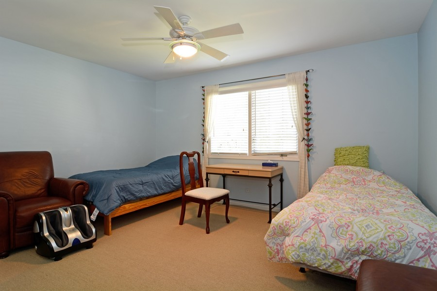 Real Estate Photography - 436 Hill Ct, Clarendon Hills, IL, 60514 - Guest Bedroom