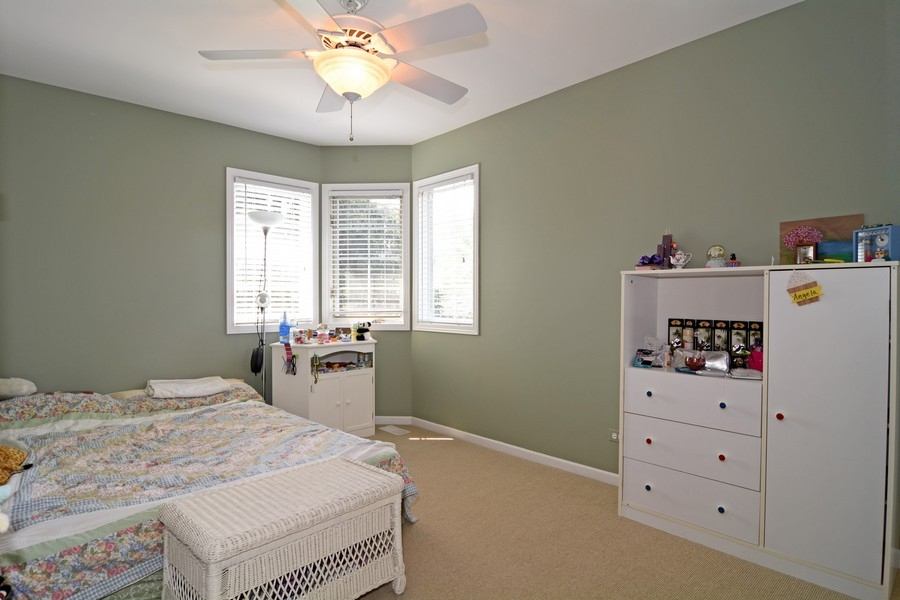 Real Estate Photography - 436 Hill Ct, Clarendon Hills, IL, 60514 - Bedroom