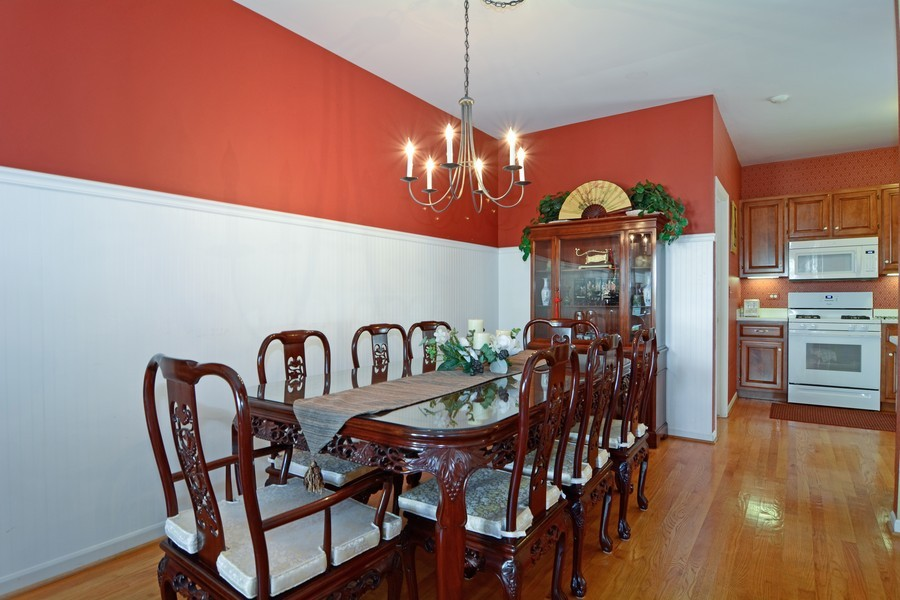Real Estate Photography - 436 Hill Ct, Clarendon Hills, IL, 60514 - Dining Room