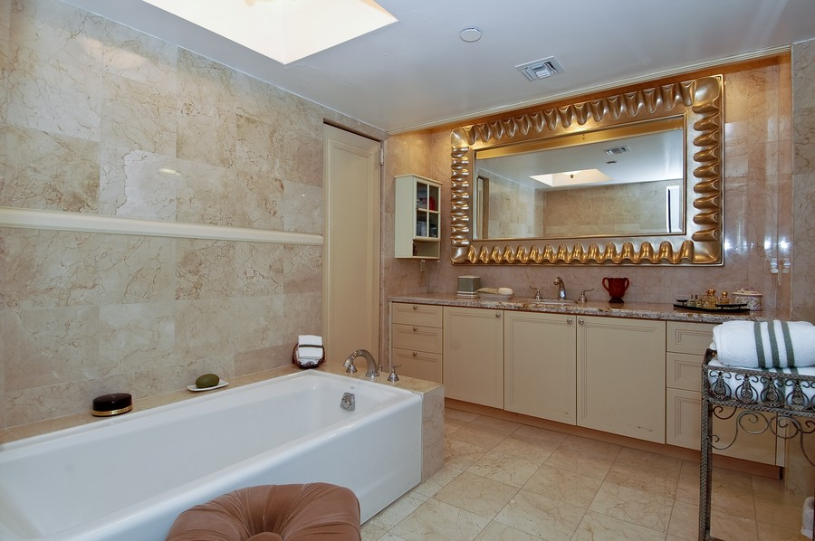 Real Estate Photography - 19707 Turnberry Way, Unit 18J, Aventura, FL, 33180 - Master Bathroom