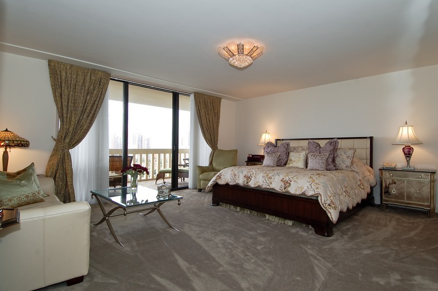 Real Estate Photography - 19707 Turnberry Way, Unit 18J, Aventura, FL, 33180 - Master Bedroom