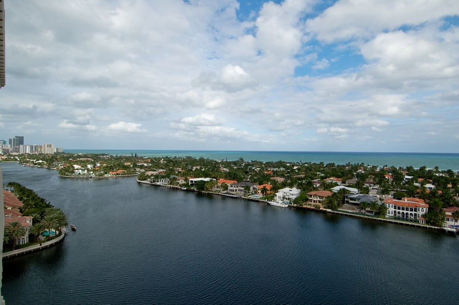 Real Estate Photography - 19707 Turnberry Way, Unit 18J, Aventura, FL, 33180 - View
