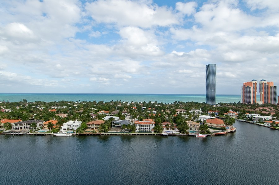 Real Estate Photography - 19707 Turnberry Way, Unit 18J, Aventura, FL, 33180 - Ocean View