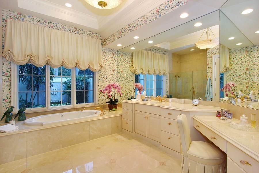 Real Estate Photography - 260 Locha, Jupiter, FL, 33458 - Master Bathroom