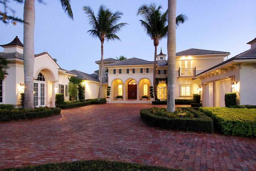 Real Estate Photography - 260 Locha, Jupiter, FL, 33458 - Front View