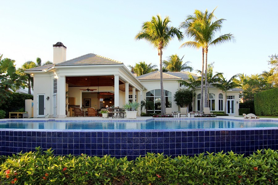 Real Estate Photography - 260 Locha, Jupiter, FL, 33458 - Rear View