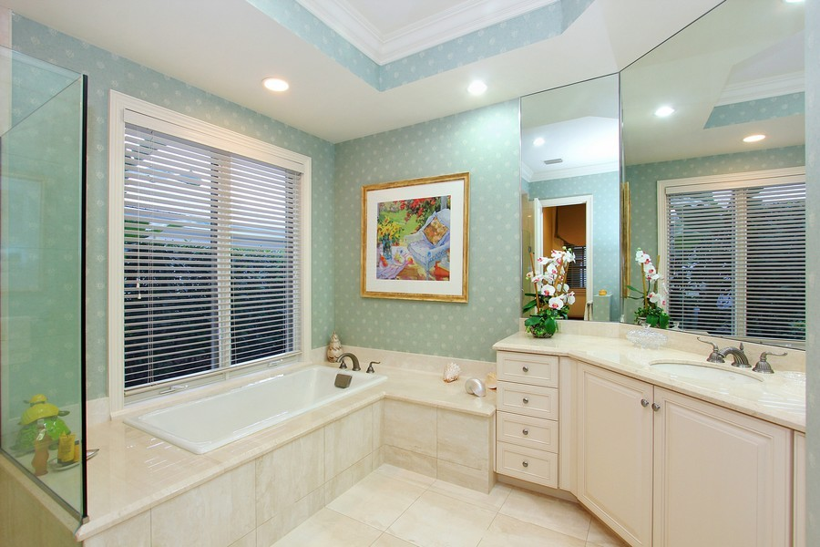 Real Estate Photography - 260 Locha, Jupiter, FL, 33458 - Bathroom
