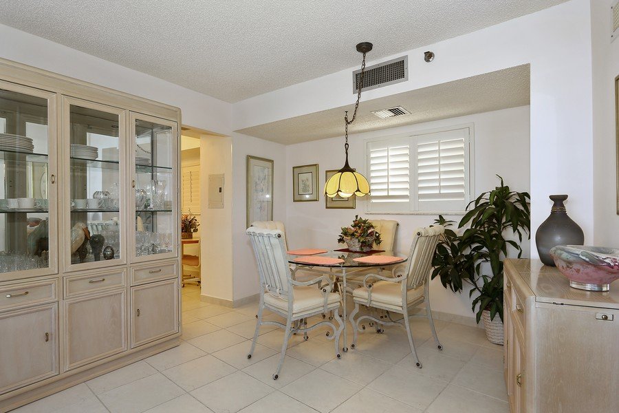 Real Estate Photography - 300 Ocean Trail Way, Apt 903, Jupiter, FL, 33477 - Dining Room