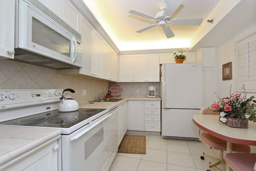 Real Estate Photography - 300 Ocean Trail Way, Apt 903, Jupiter, FL, 33477 - Kitchen