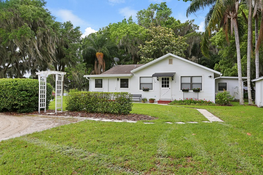 Real Estate Photography - 36225 Covington Rd, Dade City, FL, 33525 - Guest House