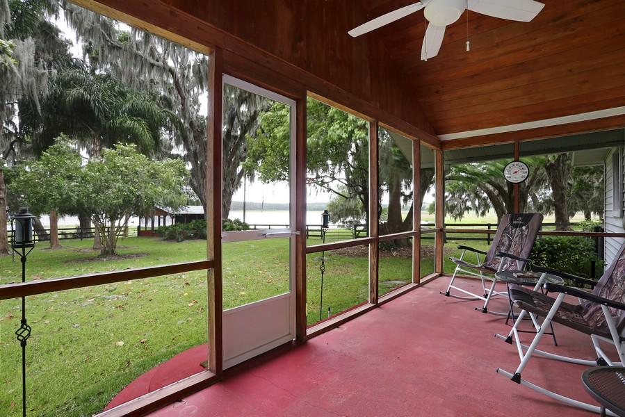 Real Estate Photography - 36225 Covington Rd, Dade City, FL, 33525 - Porch