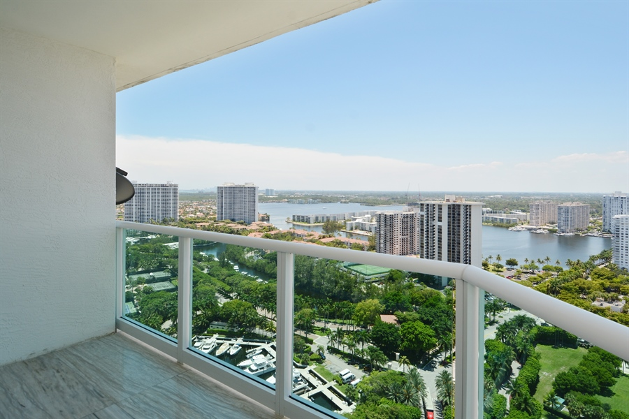 Real Estate Photography - 3301 NE 183rd St, Unit 3008, Aventura, FL, 33160 - View