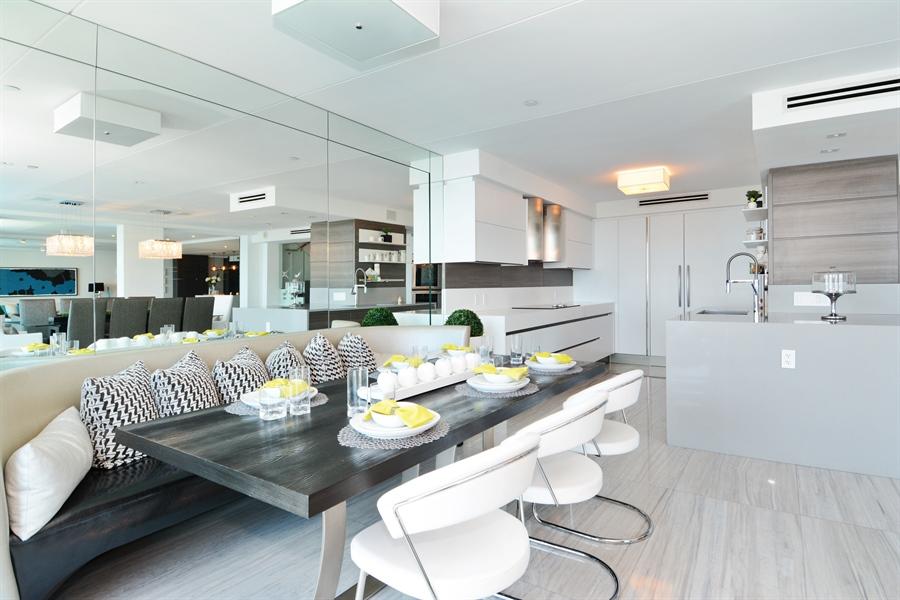 Real Estate Photography - 3301 NE 183rd St, Unit 3008, Aventura, FL, 33160 - Kitchen / Breakfast Room