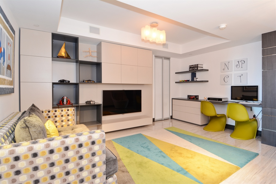 Real Estate Photography - 3301 NE 183rd St, Unit 3008, Aventura, FL, 33160 - Family Room