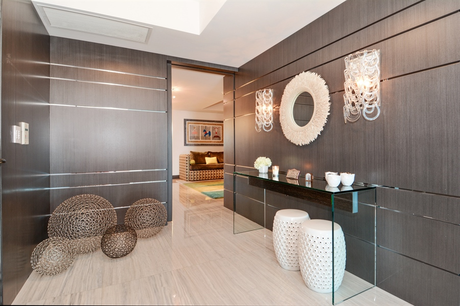 Real Estate Photography - 3301 NE 183rd St, Unit 3008, Aventura, FL, 33160 - Foyer