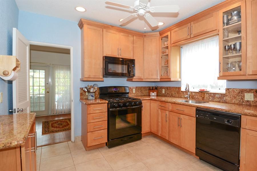 Real Estate Photography - 1504 Rodman St, Hollywood, FL, 33020 - Kitchen
