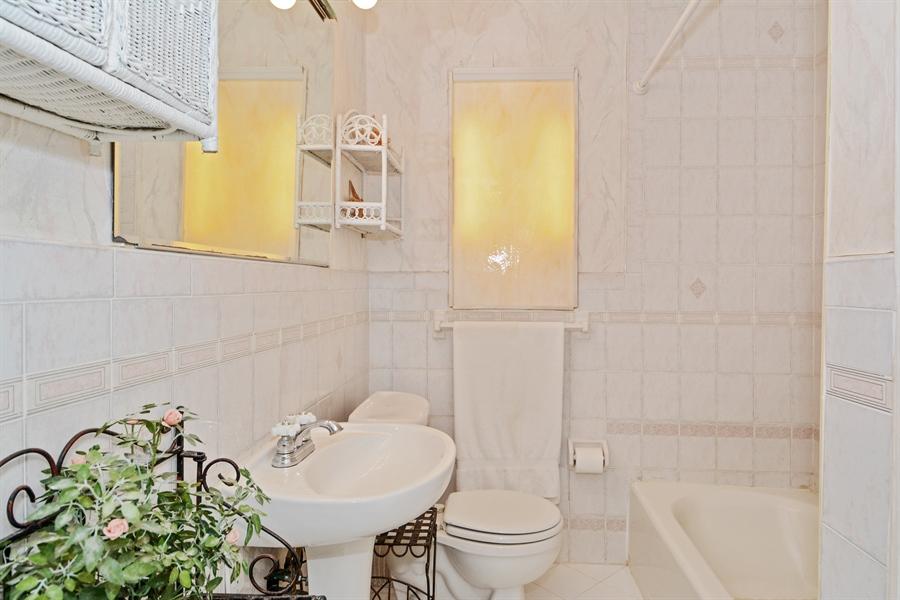 Real Estate Photography - 1504 Rodman St, Hollywood, FL, 33020 - Bathroom