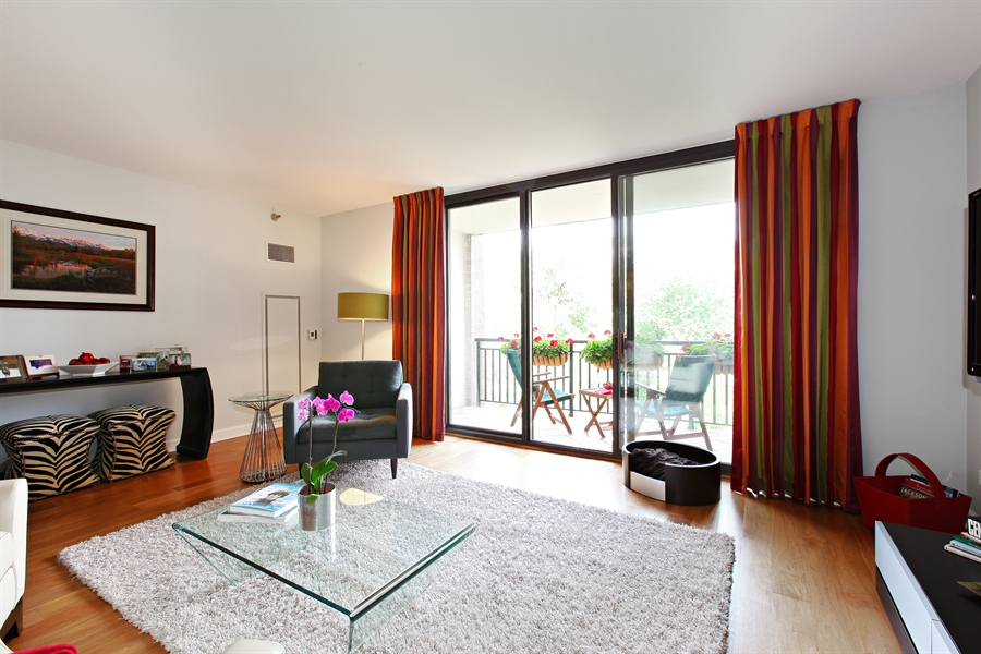 Real Estate Photography - 55 W Delaware Pl, Unit 501, Chicago, IL, 60610 - Living Room