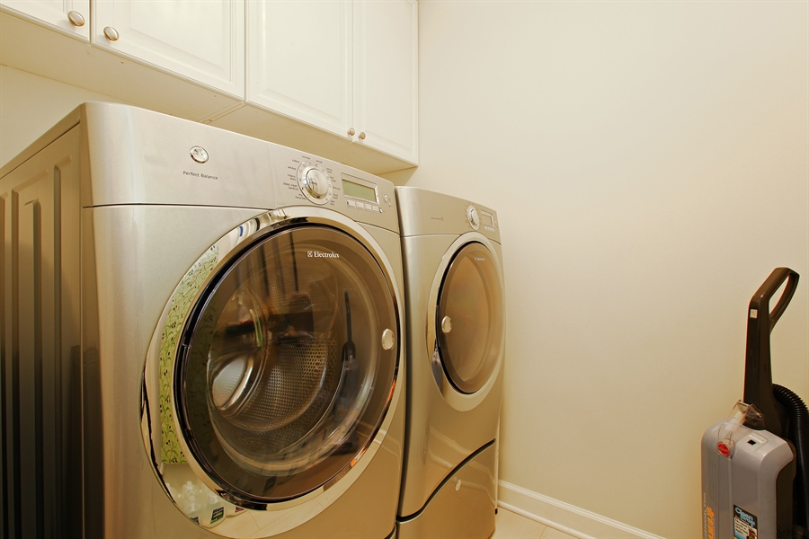 Real Estate Photography - 55 W Delaware Pl, Unit 501, Chicago, IL, 60610 - Laundry Room