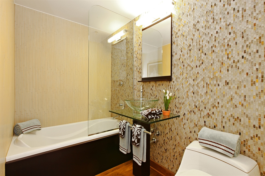 Real Estate Photography - 55 W Delaware Pl, Unit 501, Chicago, IL, 60610 - Bathroom