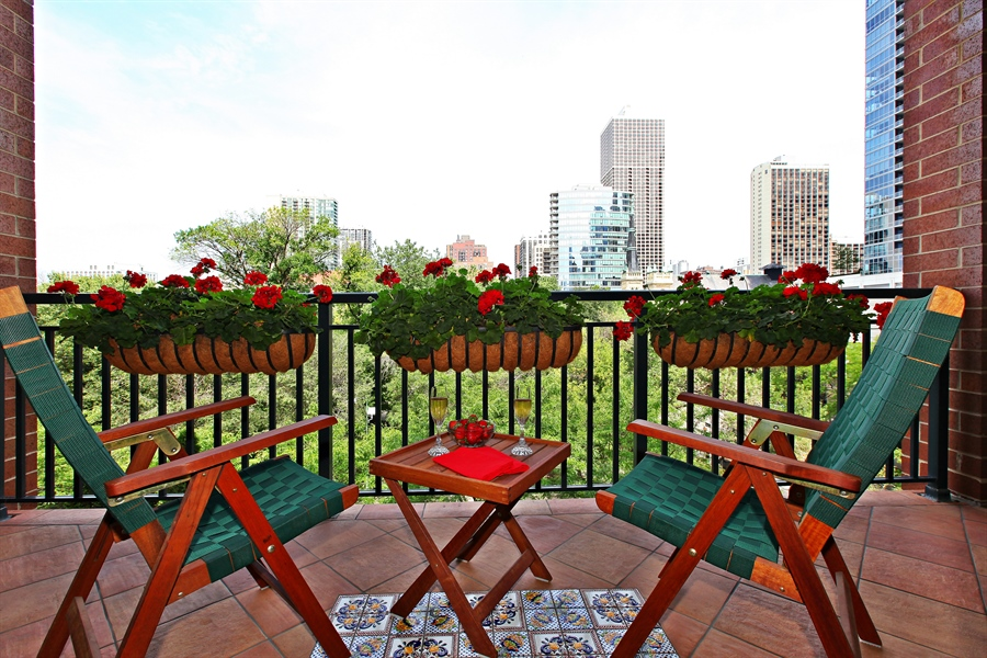 Real Estate Photography - 55 W Delaware Pl, Unit 501, Chicago, IL, 60610 - Balcony