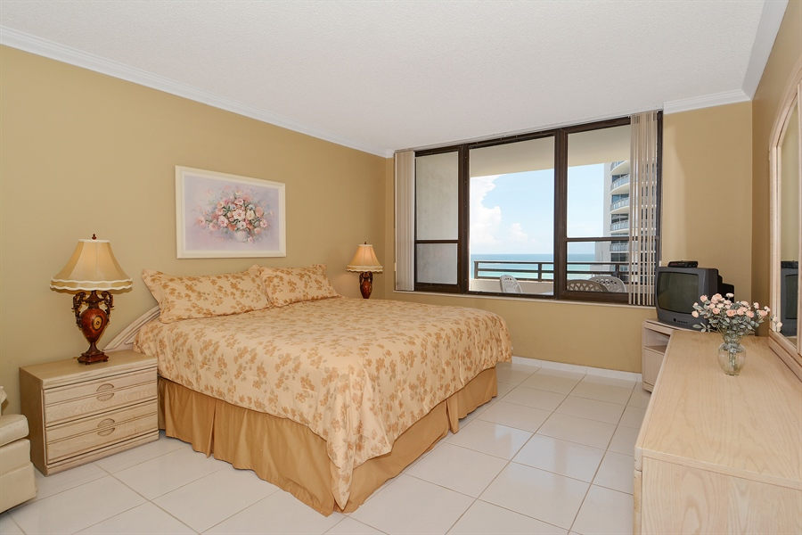 Real Estate Photography - 3505 S Ocean Dr, Unit 1116, Hollywood, FL, 33019 - Master Bedroom