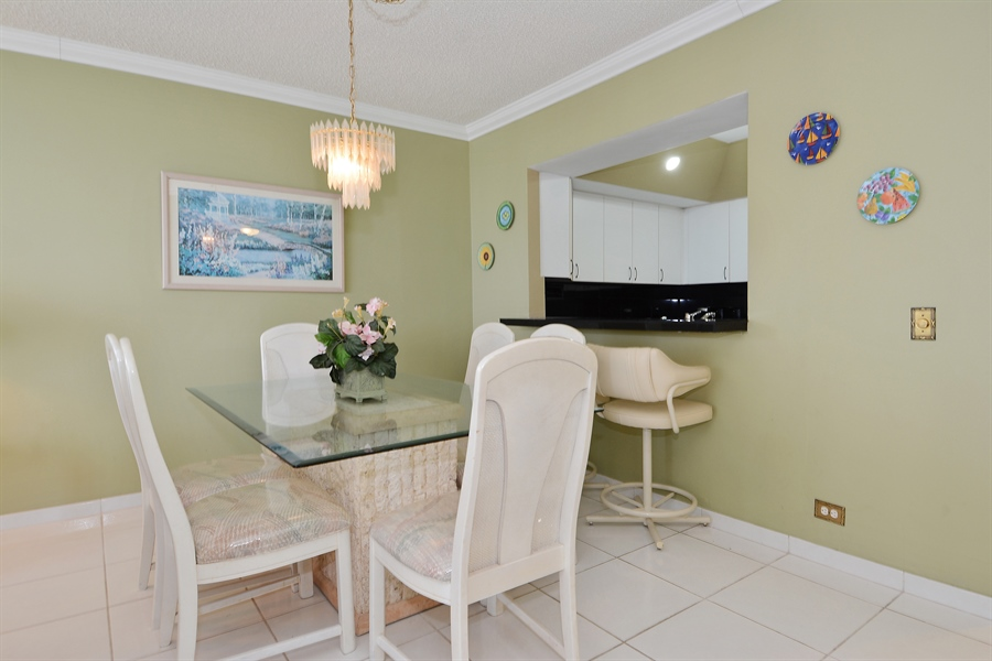 Real Estate Photography - 3505 S Ocean Dr, Unit 1116, Hollywood, FL, 33019 - Dining Room