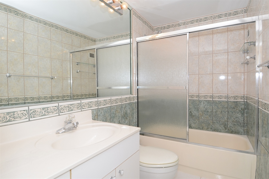 Real Estate Photography - 3505 S Ocean Dr, Unit 1116, Hollywood, FL, 33019 - Bathroom