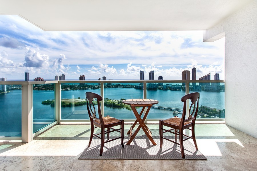Real Estate Photography - 3201 NE 183 St, Unit 2805, Aventura, FL, 33160 - View
