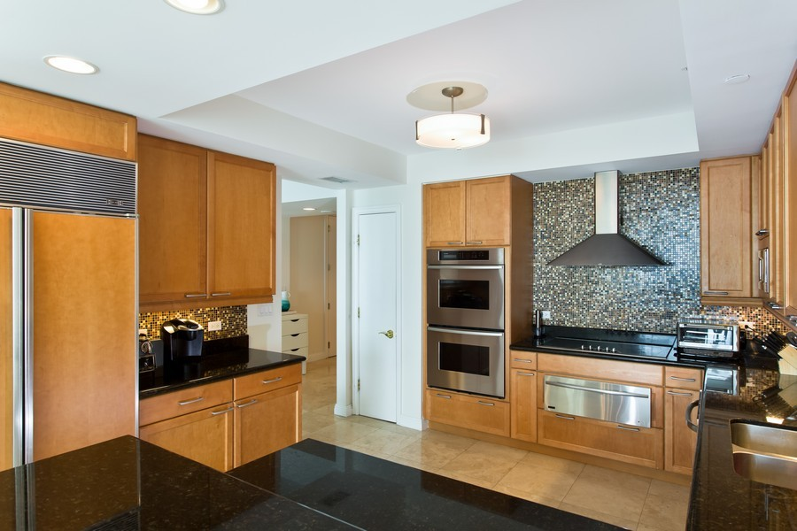 Real Estate Photography - 3201 NE 183 St, Unit 2805, Aventura, FL, 33160 - Kitchen