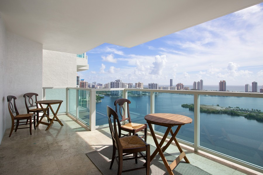 Real Estate Photography - 3201 NE 183 St, Unit 2805, Aventura, FL, 33160 - Balcony