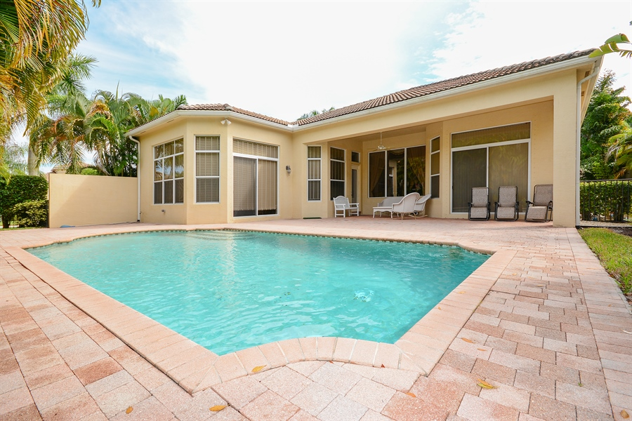 Real Estate Photography - 501 Via Toledo, Palm Beach Gardens, FL, 33418 - Rear View