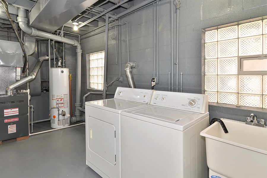 Real Estate Photography - 15026 Oak St, Dolton, IL, 60419 - Laundry Room