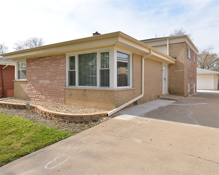 Real Estate Photography - 15026 Oak St, Dolton, IL, 60419 - Front View